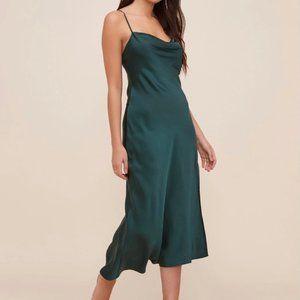 Astr the Label Gaia Midi Dress in hunter green